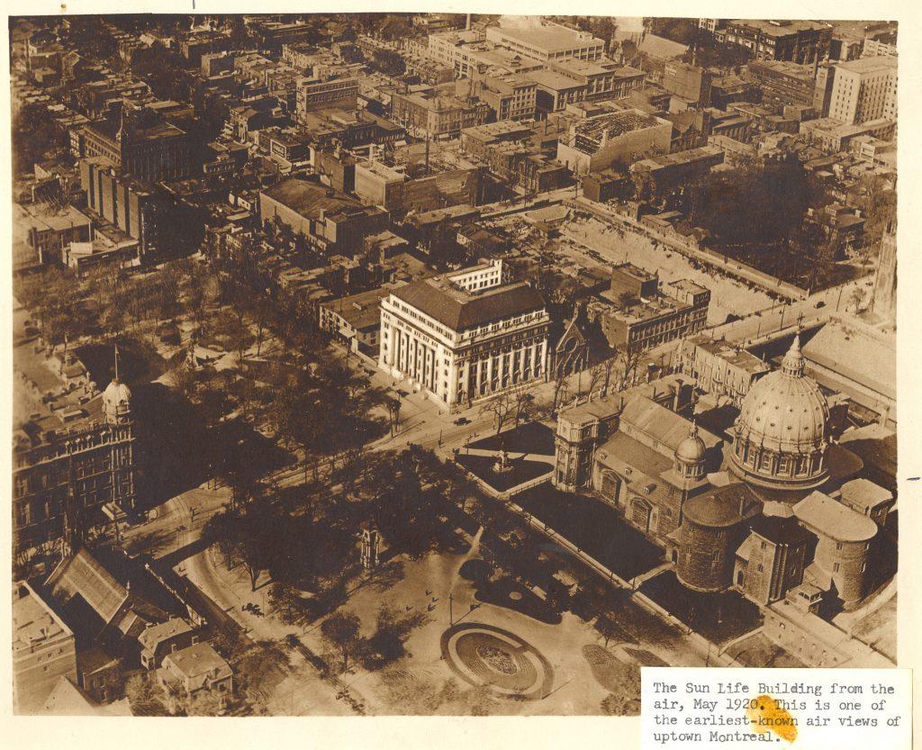 L'église presbytérienne Knox en 1923 / L'église anglicane St. George / La basilique-cathédrale catholique Marie-Reine-du-Monde